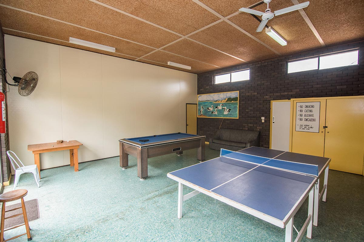 lakeside-cabins-holiday-accommodation-games-room