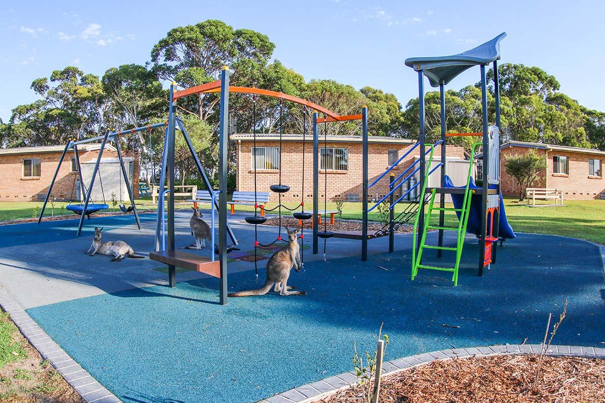 lakeside-cabins-holiday-accommodation-playground