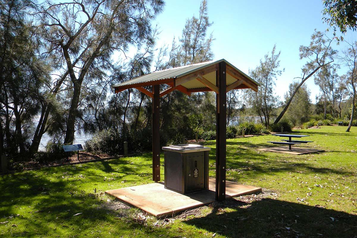 things-to-do-swan-lake-nsw-10